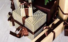 Cajas de regalo perfectas en tiempo de la Navidad Fotografía de archivo libre de regalías