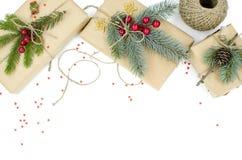 Cajas de regalo por la Navidad y el Año Nuevo imagenes de archivo