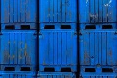 Cajas del cebo que esperan para ser cargado imágenes de archivo libres de regalías