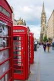 Cajas rojas del teléfono en Edimburgo, Escocia Foto de archivo libre de regalías