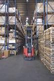 Cajas y plataformas en Warehouse imagen de archivo libre de regalías
