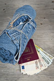 Cajgi, paszport i pieniądze, dużo Zdjęcie Stock