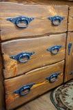 Cajones con las manetas del metal imagen de archivo libre de regalías