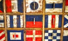 Cajones del vintage diseñados con las banderas nacionales Imágenes de archivo libres de regalías