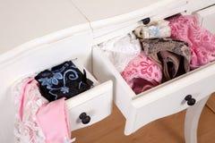 Cajones por completo de la ropa interior atractiva Fotografía de archivo