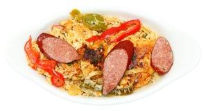 Cajun什锦菜肴伏都教鸡和香肠在碗 库存照片