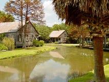 Cajundorp dichtbij Lafayette, Louisiane stock foto's