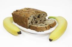 Cake à la banane avec deux bananes Image libre de droits