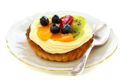 Cake with cream and fruit. Royalty Free Stock Photos