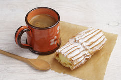 Cake with creamy and coffee cup Royalty Free Stock Photos