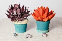 Cake in de vorm van bloemen Stock Afbeelding