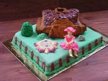 Cake farm fondant, with sugar girl, cake home. Cake farm fondant, with sugar girl and home Stock Photo