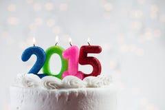 Cake: Het vieren van het Nieuwjaar 2015 met een Partijcake Stock Afbeeldingen
