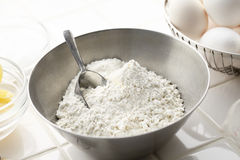 Cake making, preparation Royalty Free Stock Photos