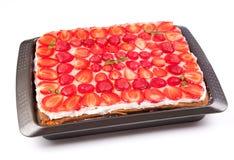 Cake met aardbeien en munt Stock Afbeelding
