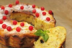 Cake met bessen Royalty-vrije Stock Foto's