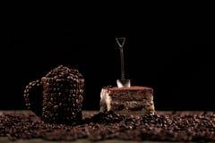 Cake met een kleine lepel Royalty-vrije Stock Fotografie