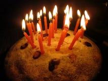 Cake met kaarsen Stock Afbeeldingen