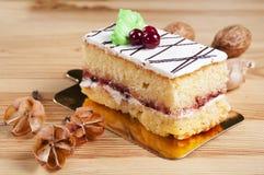 Cake met kersen royalty-vrije stock foto