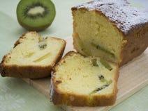 Cake met kiwi Royalty-vrije Stock Foto's