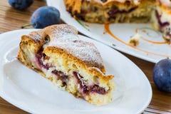 Cake met pruimen Stock Afbeelding