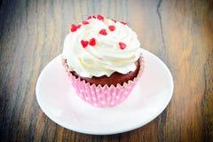 Cake met Room, Cupcake op Woody Background Royalty-vrije Stock Foto's