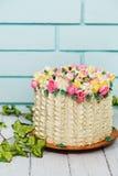Cake met tulpen Stock Fotografie