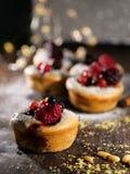 Cake met vruchten Stock Afbeelding