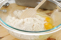 Cake mix. A bowl of cake mix and eggs Royalty Free Stock Photos