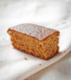 Cake op een plaat Stock Fotografie