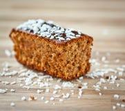Cake op een plaat Royalty-vrije Stock Foto's