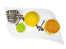Cake op witte plaat Royalty-vrije Stock Foto