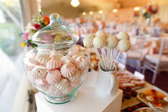 Cake pops and marshmallows in a jar Royalty Free Stock Photography