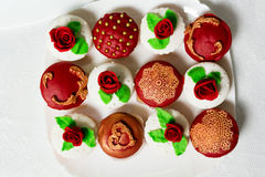 Cake red. Red cupcake on a plate Royalty Free Stock Photos