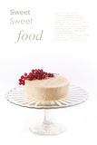 Cake with redcurrant isolated Royalty Free Stock Photography