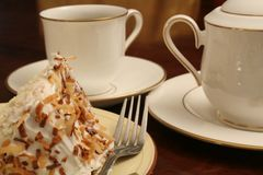 Cake slice w/coffee Royalty Free Stock Photography