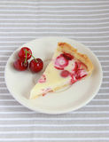 Cake with strawberries, cherries and cream Royalty Free Stock Images