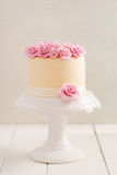 Cake with sugar roses Royalty Free Stock Images