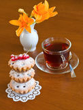 Cake, tea and flower Royalty Free Stock Photos
