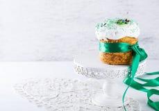 cake traditionella easter Arkivbilder