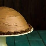 Cake van het de Hazelnoot de Halve Gebied van de chocoladekoffie met Decoratieve Pipin Royalty-vrije Stock Fotografie