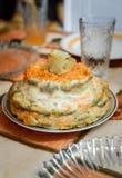 Cake van leverpannekoeken en groenten stock foto