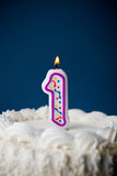 Cake: Verjaardagscake met Kaarsen voor 1st Verjaardag Royalty-vrije Stock Foto's
