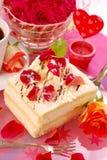 Cake voor valentijnskaart`s partij Stock Afbeelding