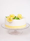 Cake with yellow roses Royalty Free Stock Photo