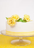 Cake with yellow roses Stock Photography