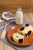 Cakebroodje: Verse Opgenomen Melkroom Royalty-vrije Stock Foto
