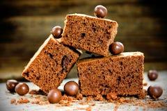 Cakechocolade brownies op houten achtergrond Royalty-vrije Stock Afbeeldingen