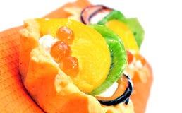 Cakemand met vruchten Royalty-vrije Stock Afbeeldingen