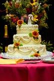 caken blommar bröllop arkivbilder